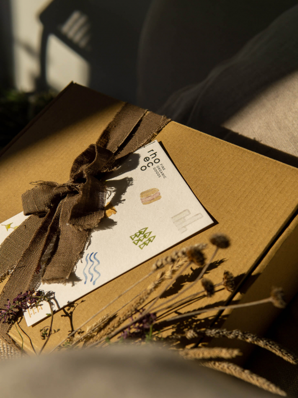 rhoeco gift ideas share the moment
