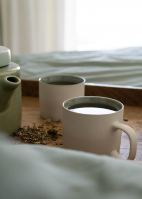 SET OF CUPS & TEAPOT CELADON